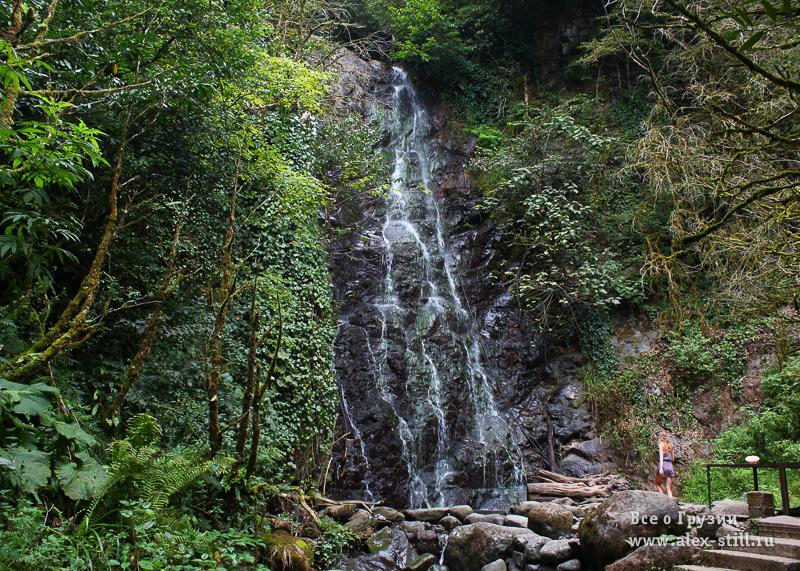 Водопад Мирвети в нацпарке