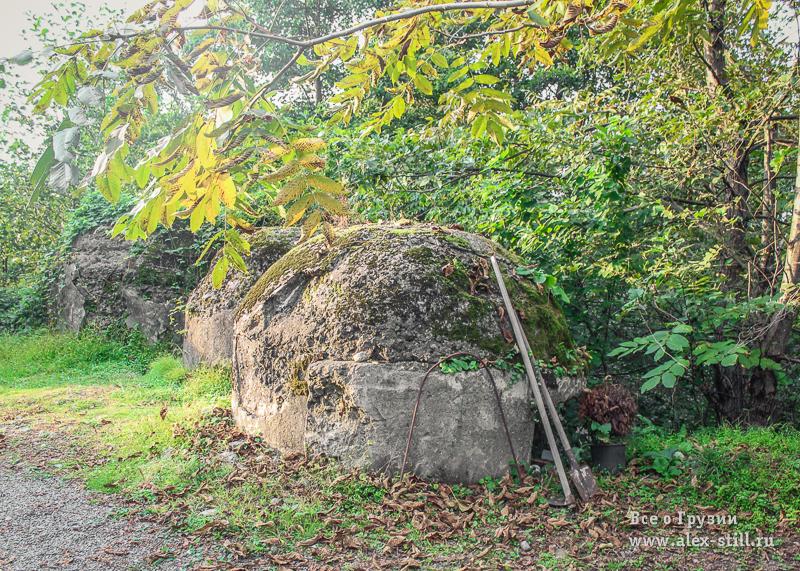 Заброшенный бункер на холме Самеба