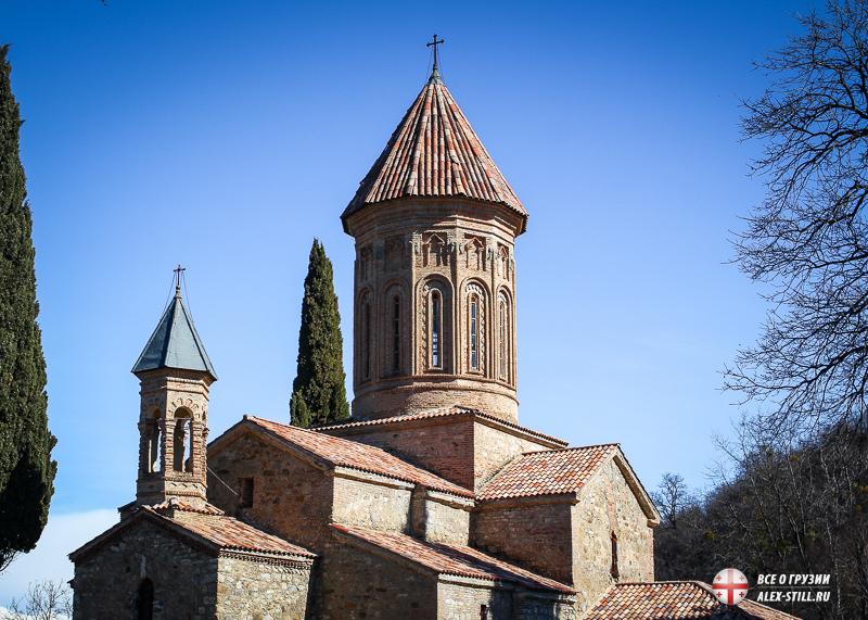 Главный храм монастыря Икалто
