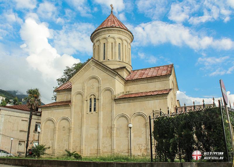 Храм типичной грузинской архитектуры