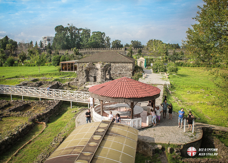 На территории крепости есть ряд интересных объектов