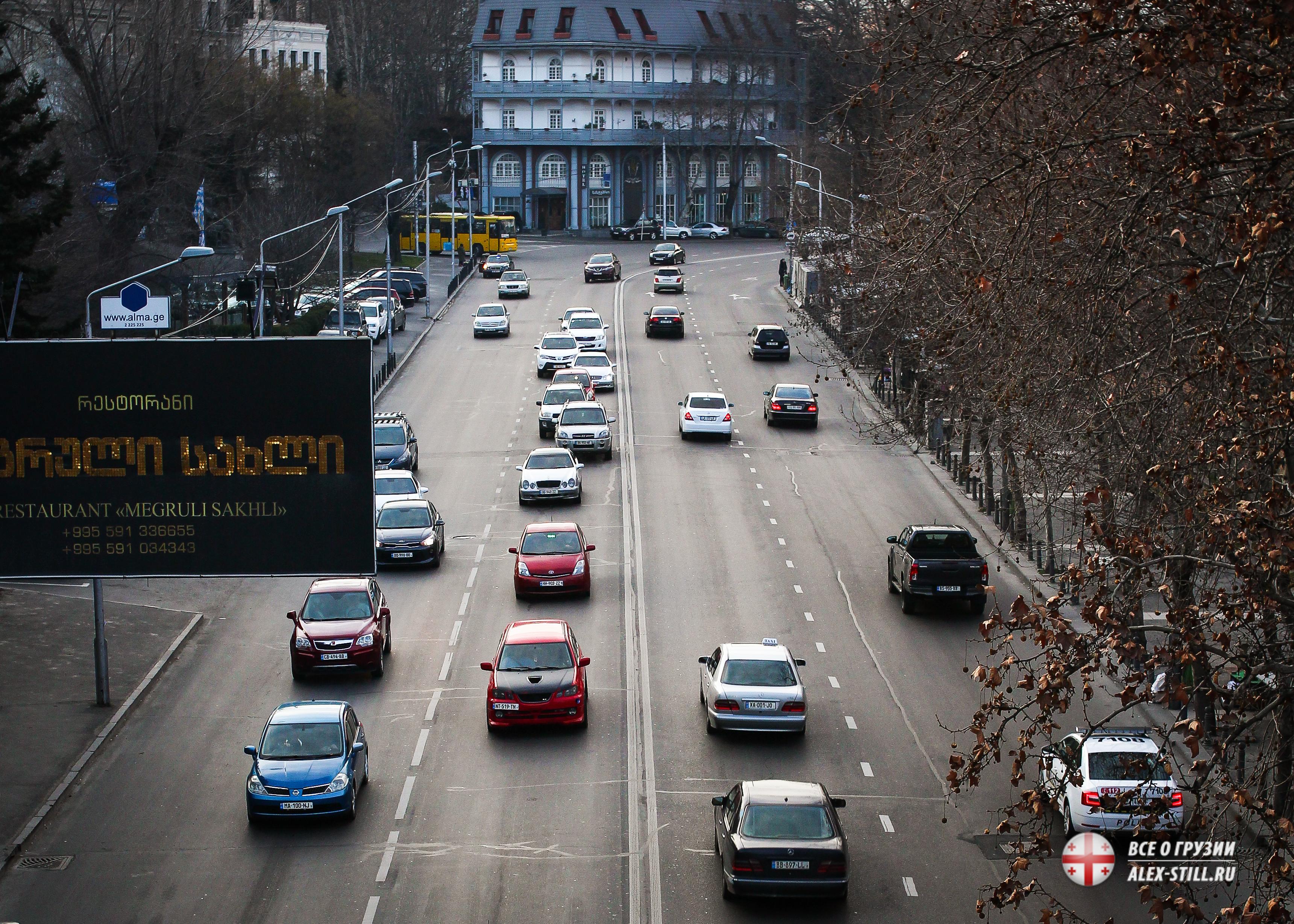 Движение в Тбилиси хаотичное, но в принципе безопасное